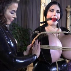 Milf bondage - New Bondage Model Foxy Menagerie Verre tied to the post with ropes - The radioactive milk - Latex Bondage