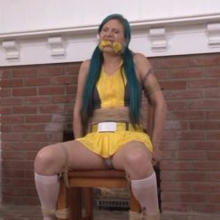 The Damsel Network – Go Hostagettes! – Loren is bound, chairtied and cleavegagged - Rope bondage