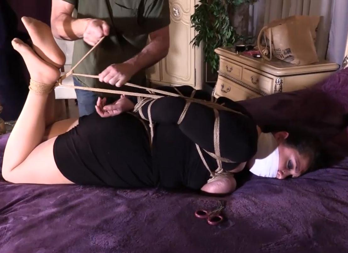 Vida Bristol bondage - She has been nipple clamped and she has a crotch rope on - Surprise surprise!