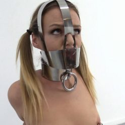 Metal bondage 19-year old Diamondly – Extreme tight metal bondage