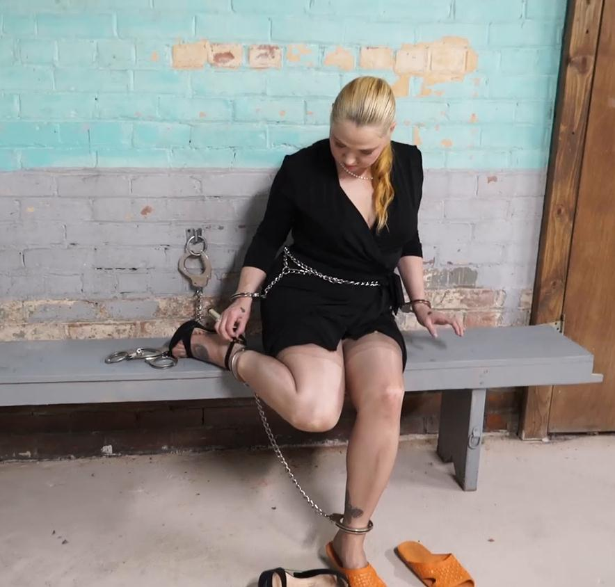 Playing with handcuffs - Cherry Busom didn't turn herself in part 2 of 3