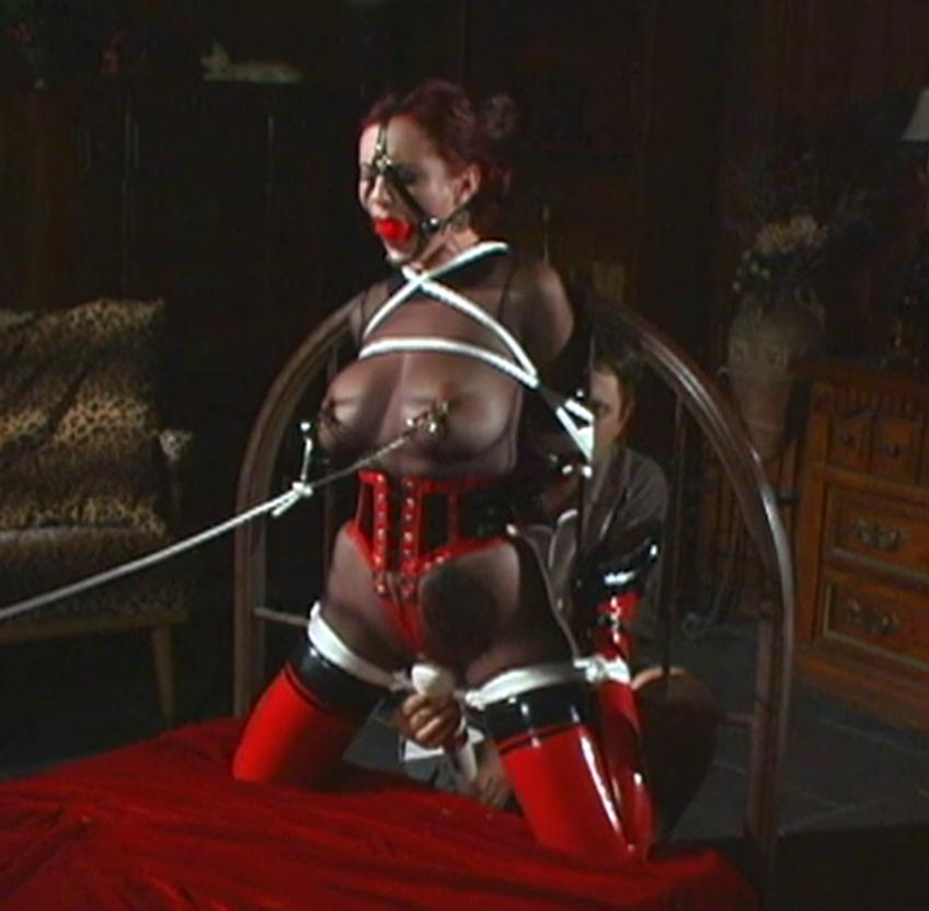 Rope bondage - Redhead Mz Berlin is bound with ropes and tight clover nipple clamps – Headframe