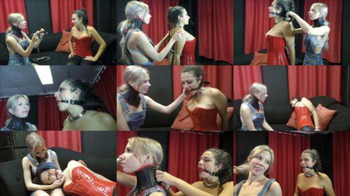 Lesbian bondage - Julia and Vanessa have fun - The bondage friends - part 2 - Julia und Vanessa teil 2