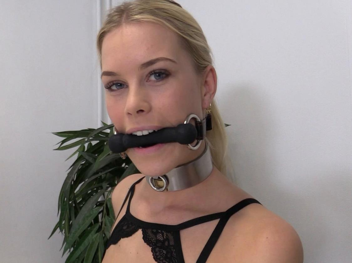 Sophie tests modular gag - 3 gags: ball gag, bit gag, and a very extreme tongue port gag -3 gags are awesome - Drooling