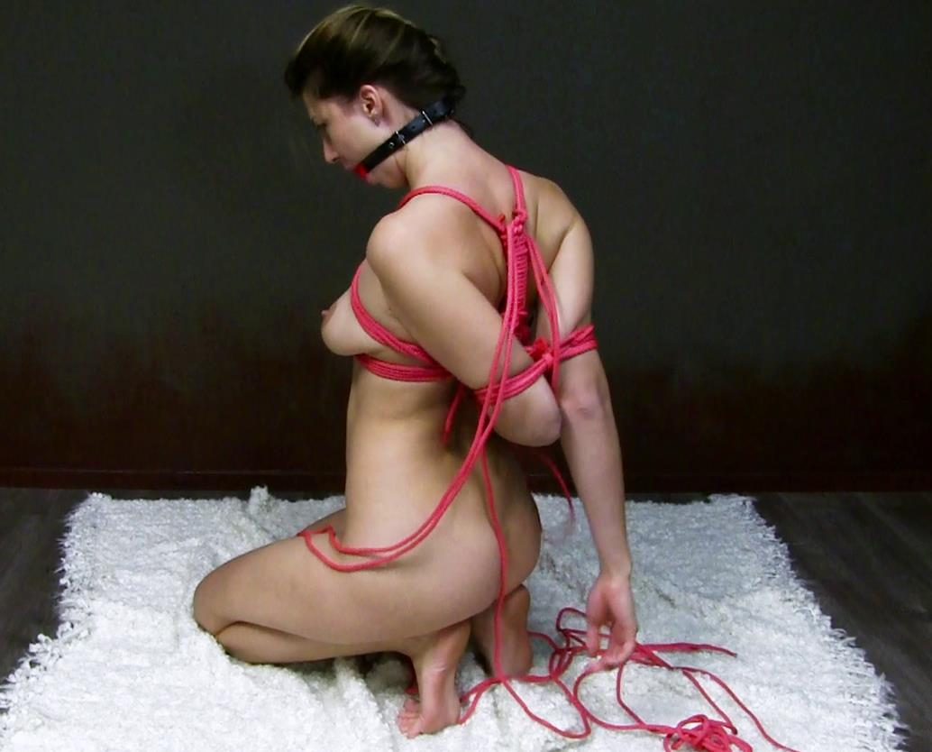 Mistress Kristin is an aggressive fighter – Elbow bondage - Escape challenge -Tieable - Glamour rope bondage