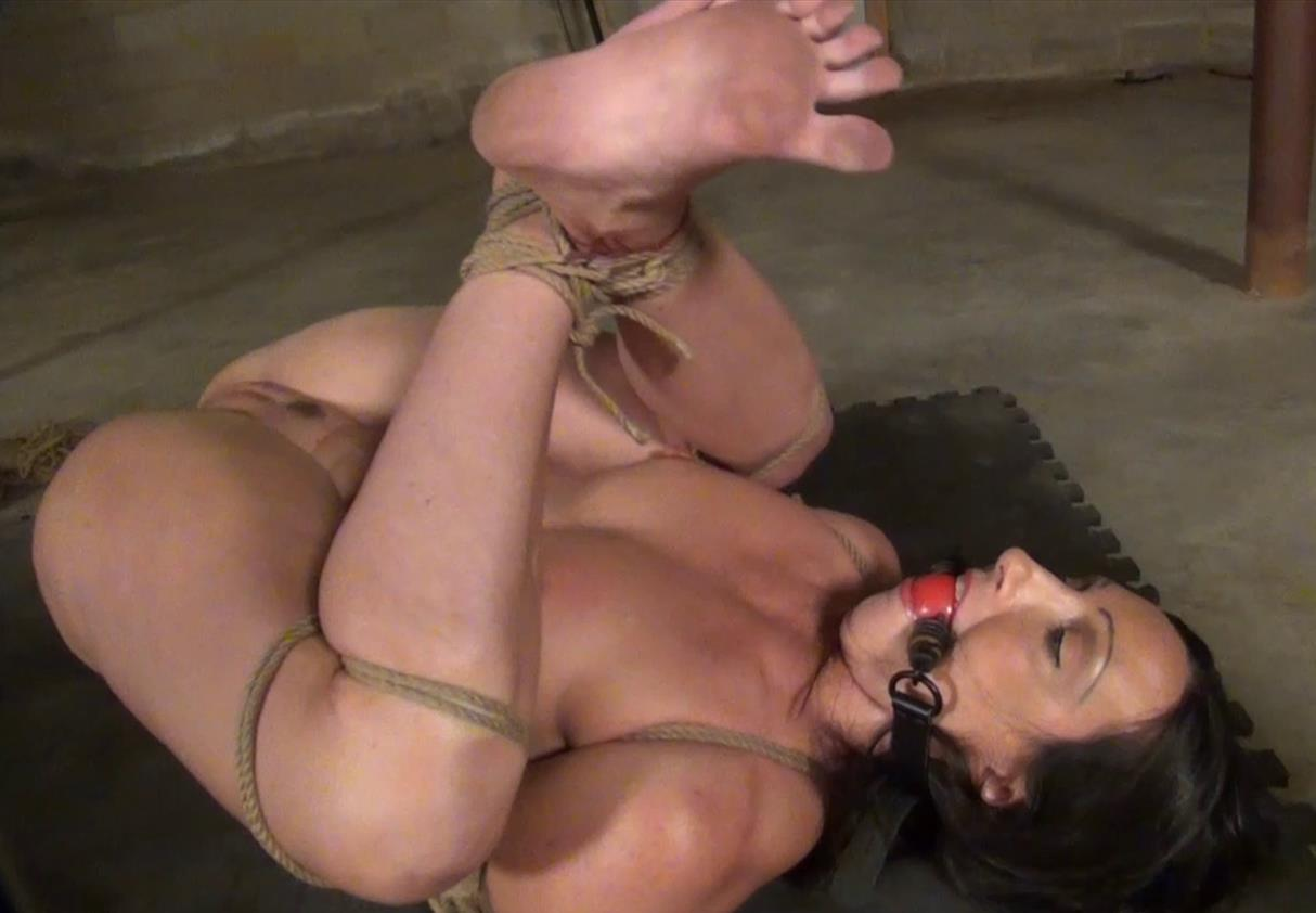 Rope bondage - Wenona is bound extremly- The power of the palm power massager - Part 1 of 2 - A new bondage vibe - Creepy basement dungeon