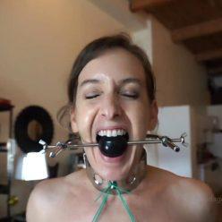 Metal bondage - Elise Graves - Self-Bondage - Metal collar and hook makes squatting down extremely painful - Metal bondage equipments - Unique metal torture shoes