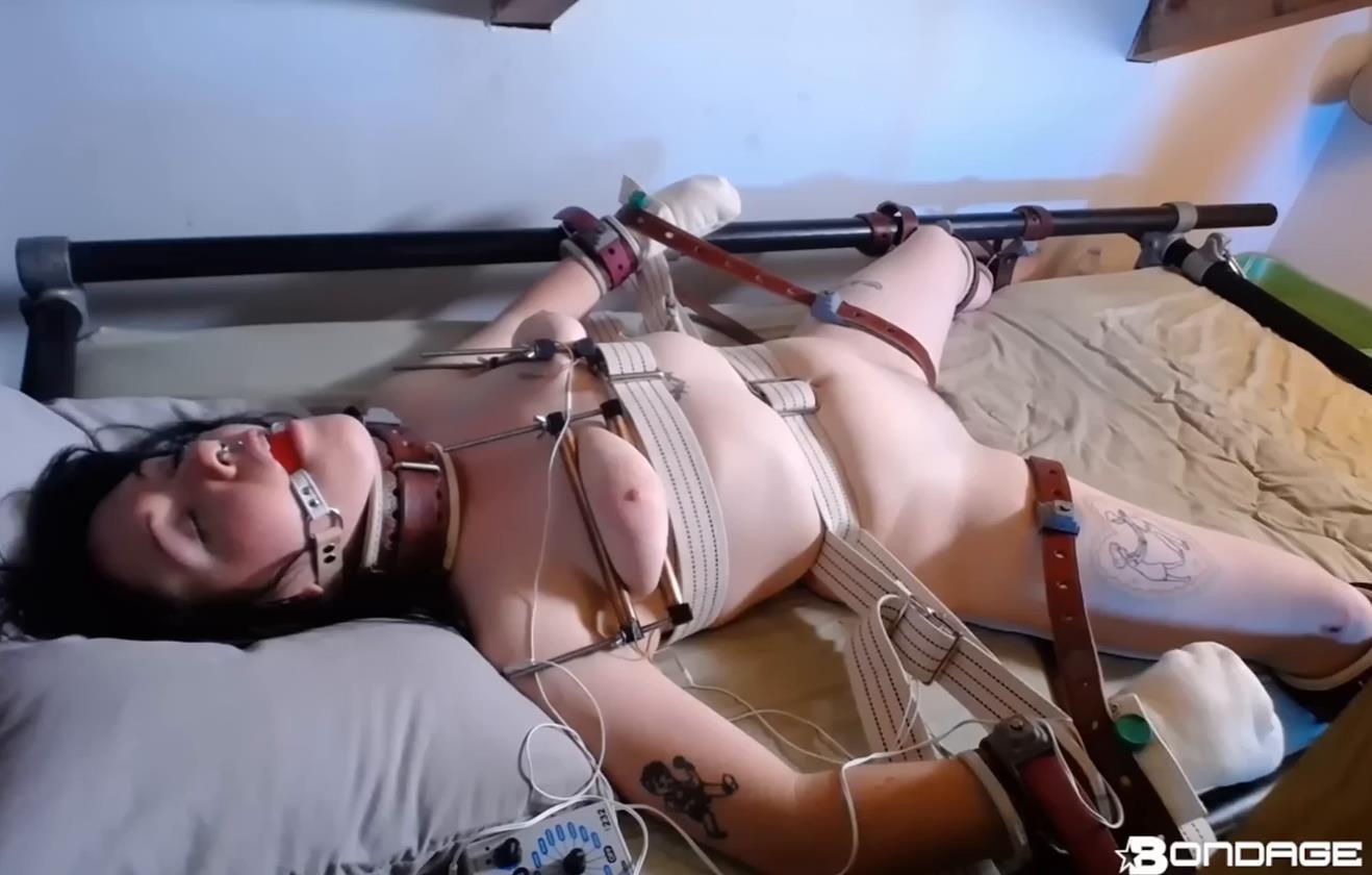 Extreme Bondage - Lita Lecherous Tormented On Bed - Bondage Orgasm