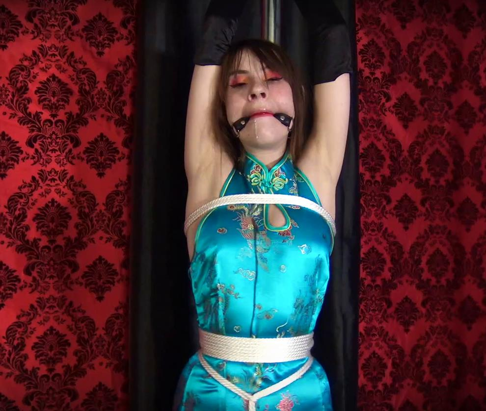 What kind of cruel punishment is this? - Shinybound Ziva Fey - Glamour Girl is Tied and Vibed to a post - Rope Bobdage