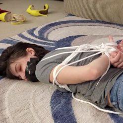 Rope Bondage - Progressive bondage challenge - Jeanette Cerceau Makes a Bet - Cinched and Secured