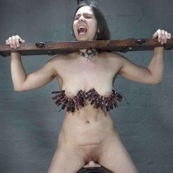 Slave Aijana on the Sybian tied up the tits - Amateure-xtreme - Bondage F/F